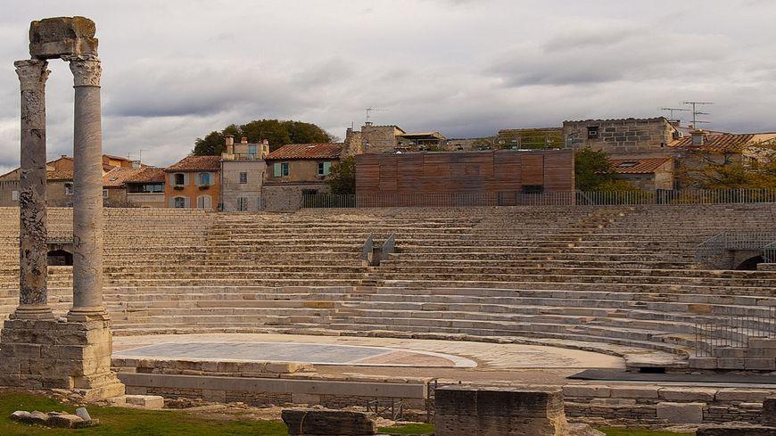 Le théâtre antique d'Arles a été construit à la fin du 1er siècle avant Jésus-Christ, sous le règne de l'empereur Auguste