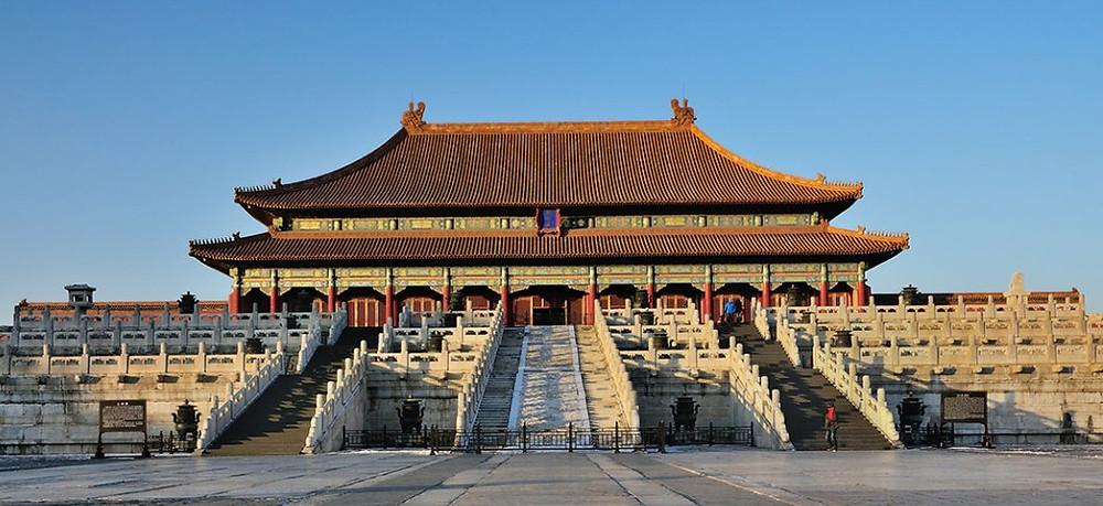 La Cité interdite de Pékin, comme on l'appelle aujourd'hui, a été le palais de 24 empereurs chinois de la dynastie Ming et Qing qui régnèrent sur la Chine du XVe au XXe siècle