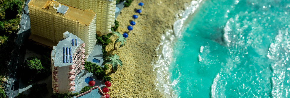 Waikiki Beach, Hawaii - Miniature Model Diorama