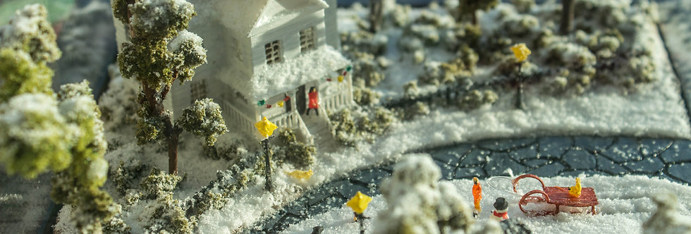 Christmas Snow Fun : Miniature Model Diorama