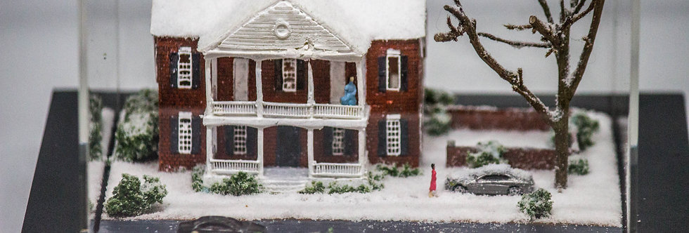 Snowy Winter Mansion  - Miniature Model Diorama