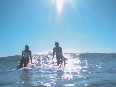 Off to the beach? What to wear + 8 reasons to go surfing