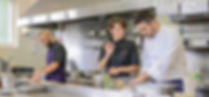 L'équipe en cuisine du Club Foch ,à Vincennes, près de Paris