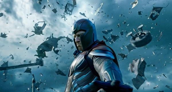 Magneto from X-Men: Apocalypse using his powers to wreak havoc.