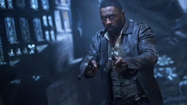 The Gunslinger from The Dark Tower aims his pistols.