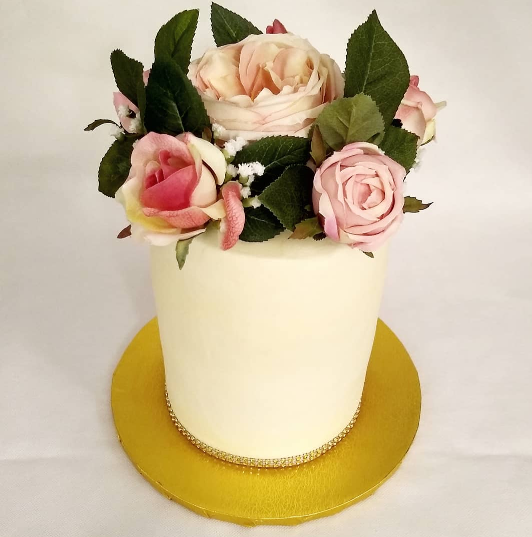 Single Tier Double Barrel Cake