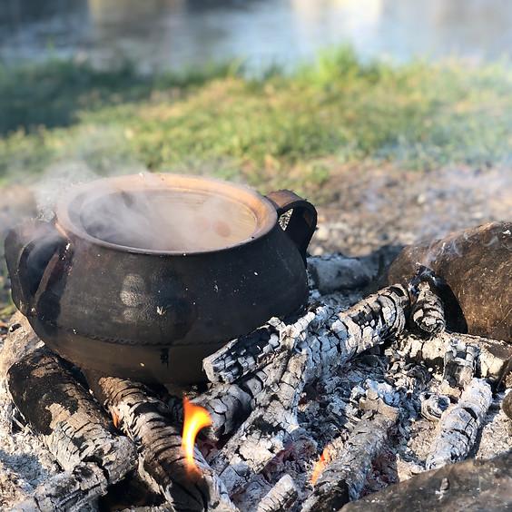 Wildkräuterkochkurs outdoor: Wildkräuterexkursion und Kochen am Feuer
