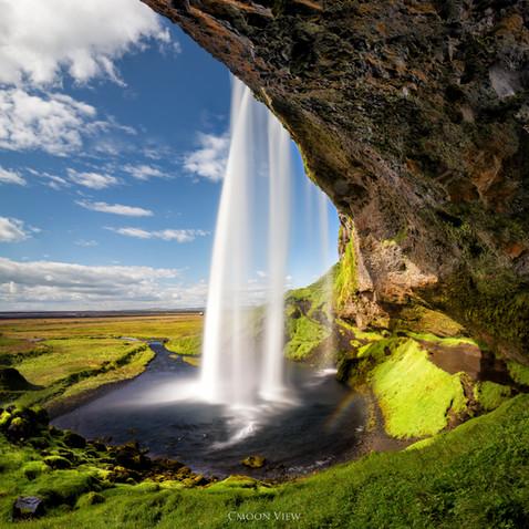 water falls.jpg