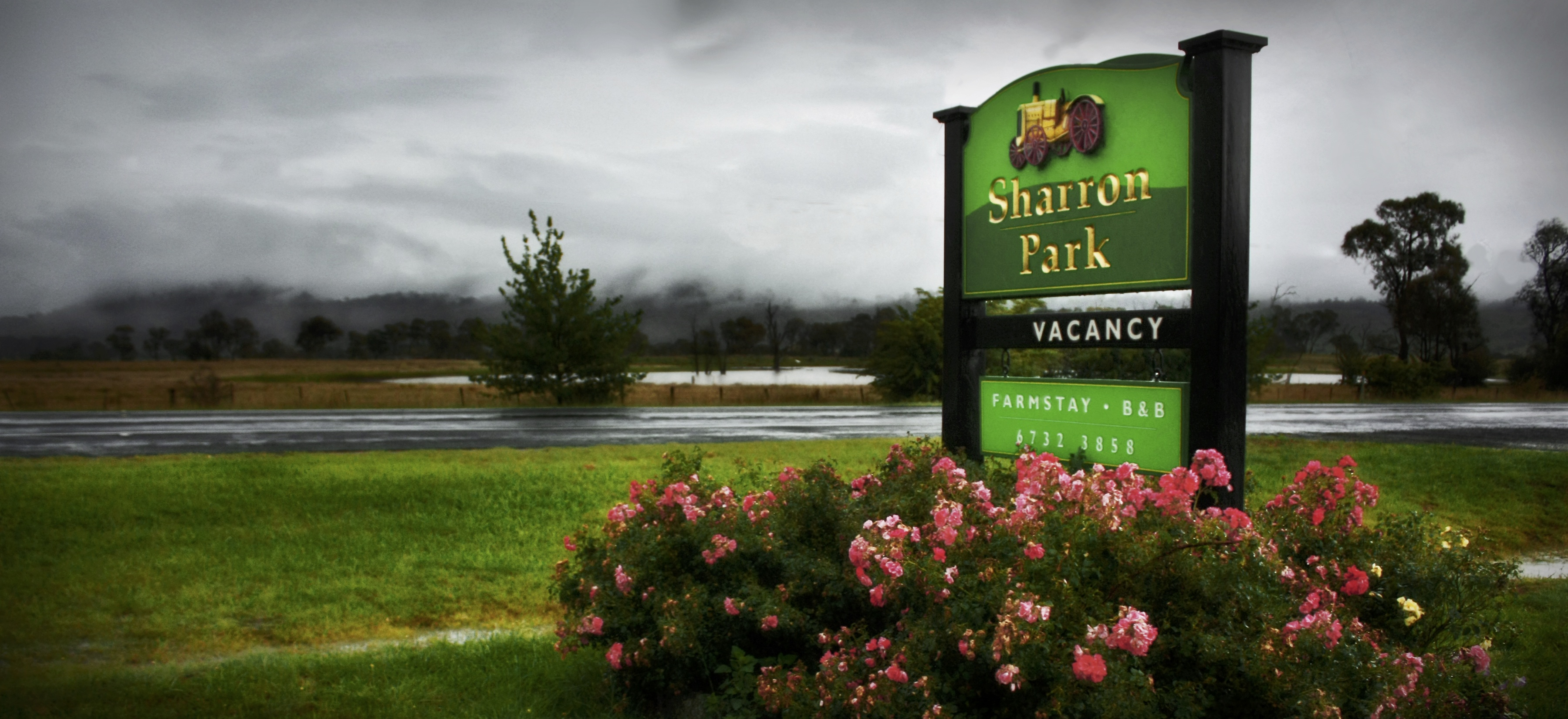 Sharron Park Farmstay welcome sign