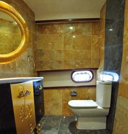 esma sultan double cabin bathroom view 1.1.jpg