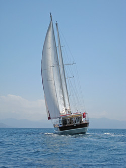 SERENITY 86 - Sailing 06.JPG