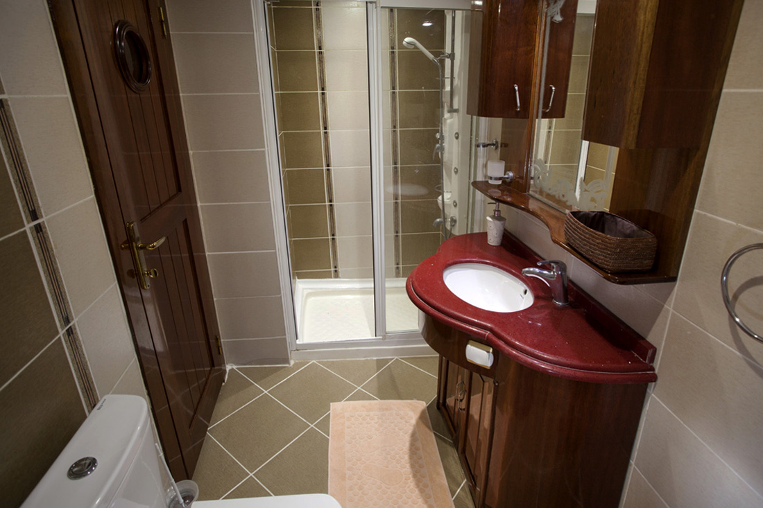 esma sultan master cabin bathroom view.jpg