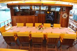 akana aft deck dining view.jpg
