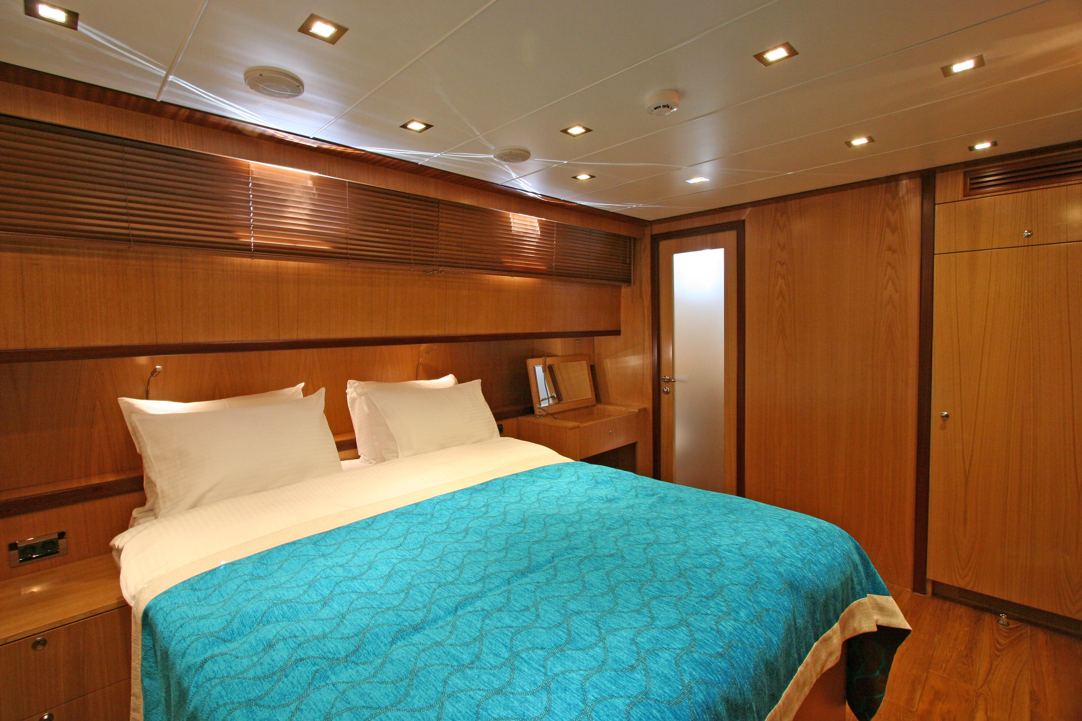 GETAWAY Master Cabin 05.JPG