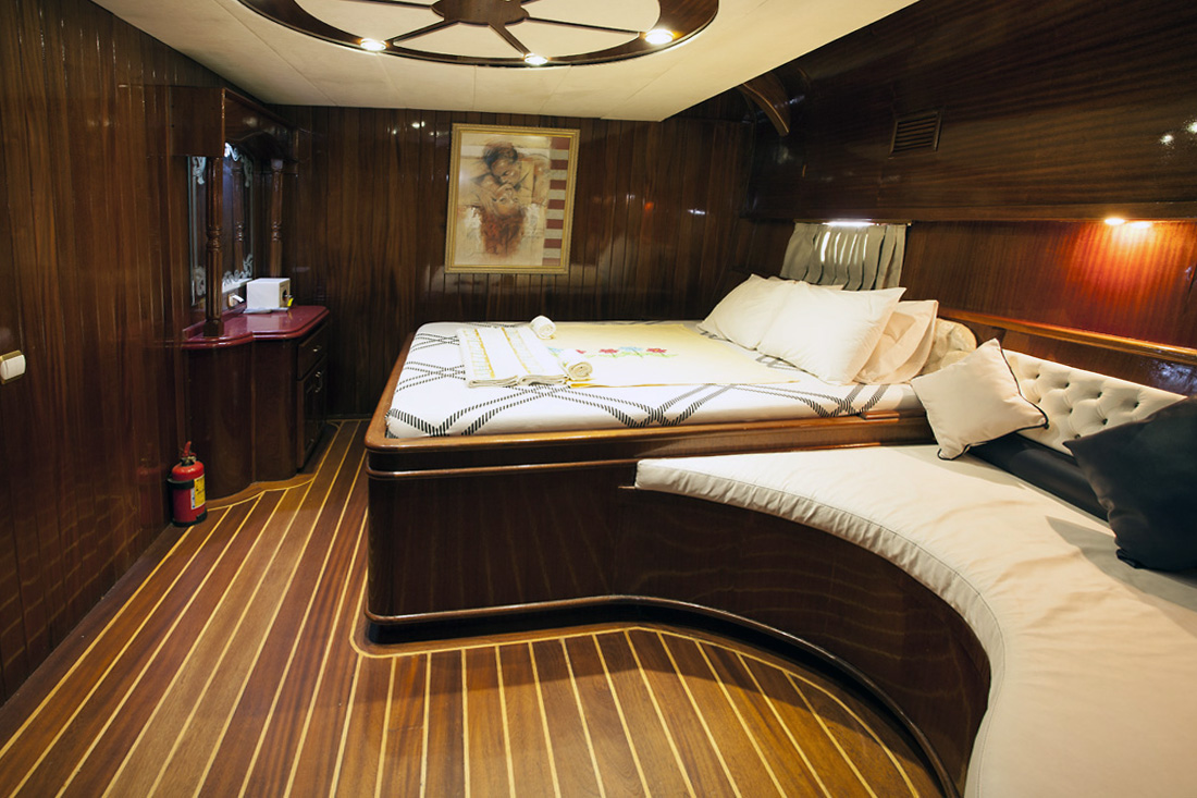 esma sultan double cabin 2 view 2.jpg