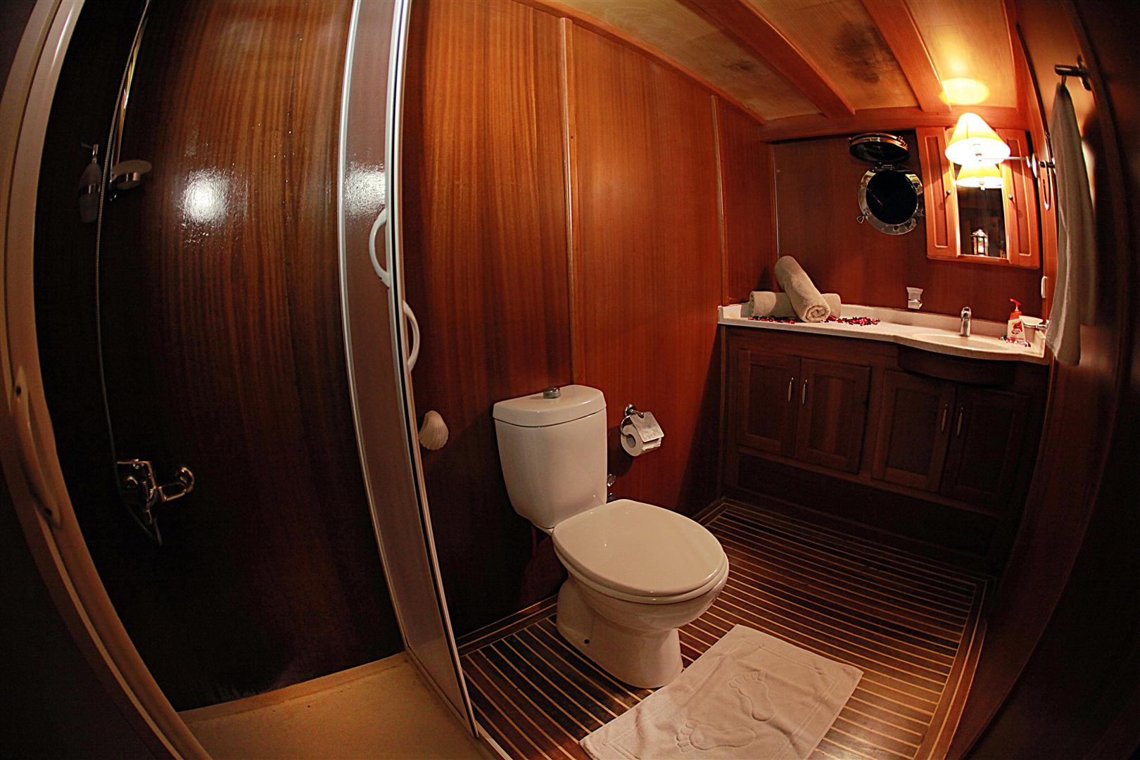 j.orcun twin cabin bathroom view.JPG