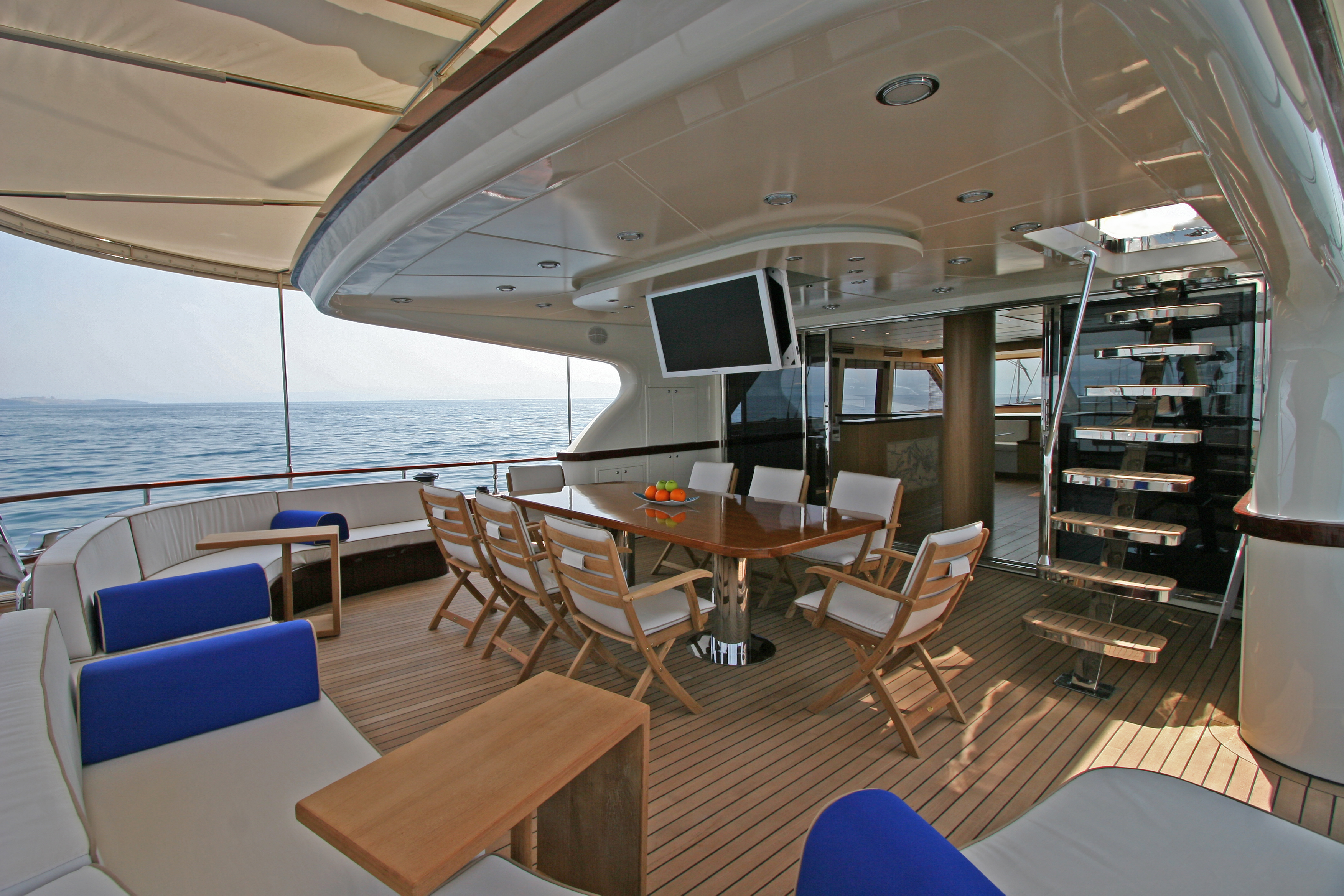 GETAWAY Aft Seating Area 02.jpg