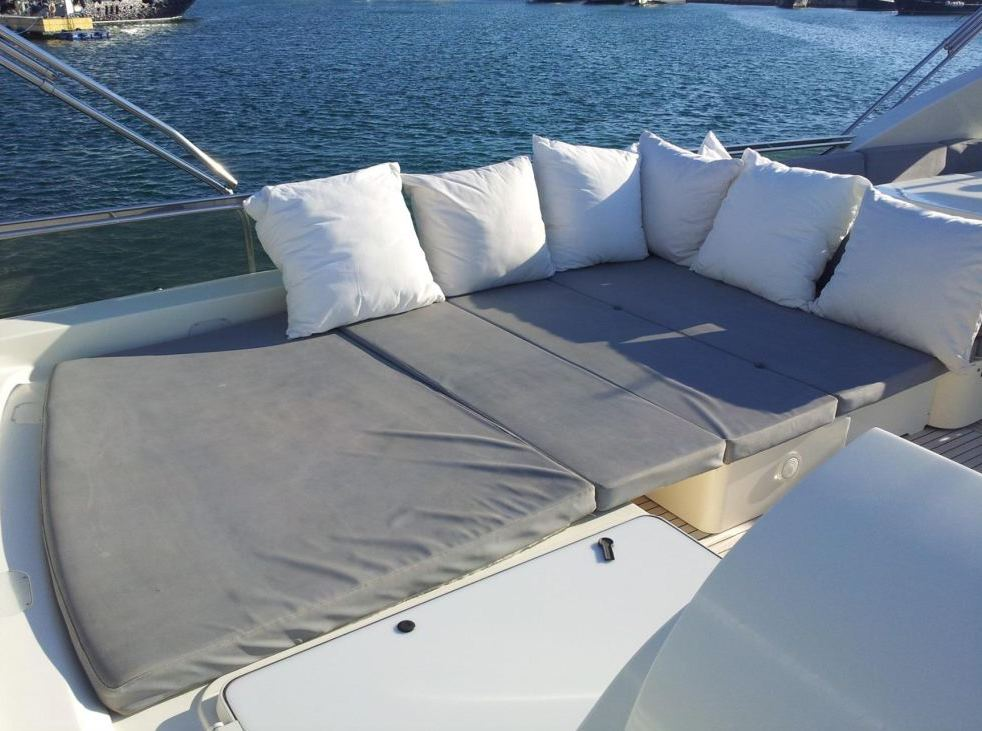 Yacht R MANY -  Flybridge Sunpads.jpg