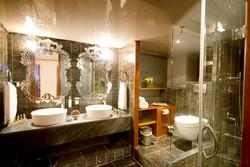 Master+cabin+bathroom.jpg
