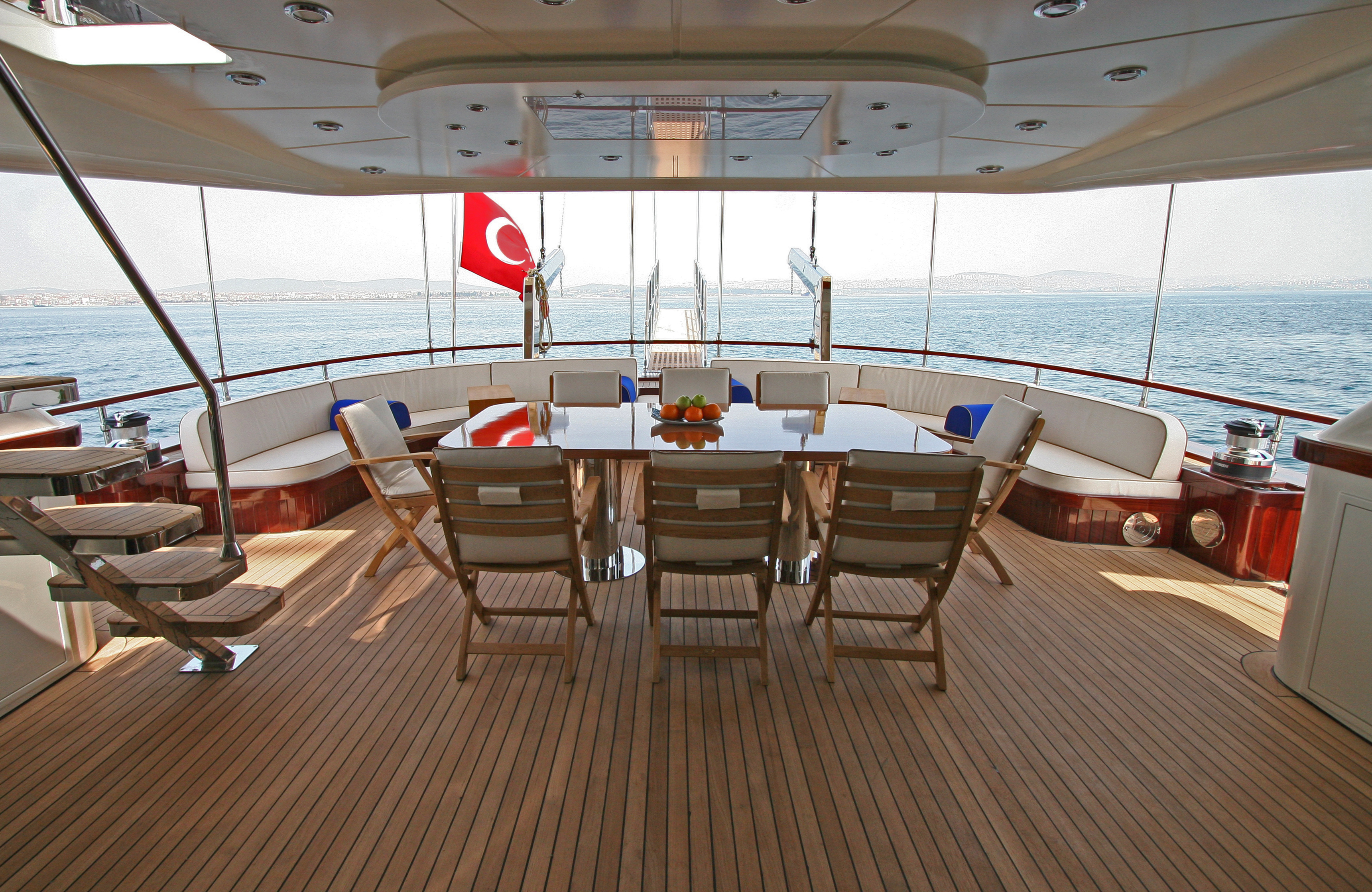 GETAWAY Aft Seating Area 03.jpg