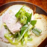 ヒレ肉と白ネギの塩麹蒸し