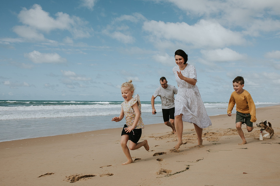 Family photographer beach session | Anglesea | Aireys Inlet | Paige Gotts