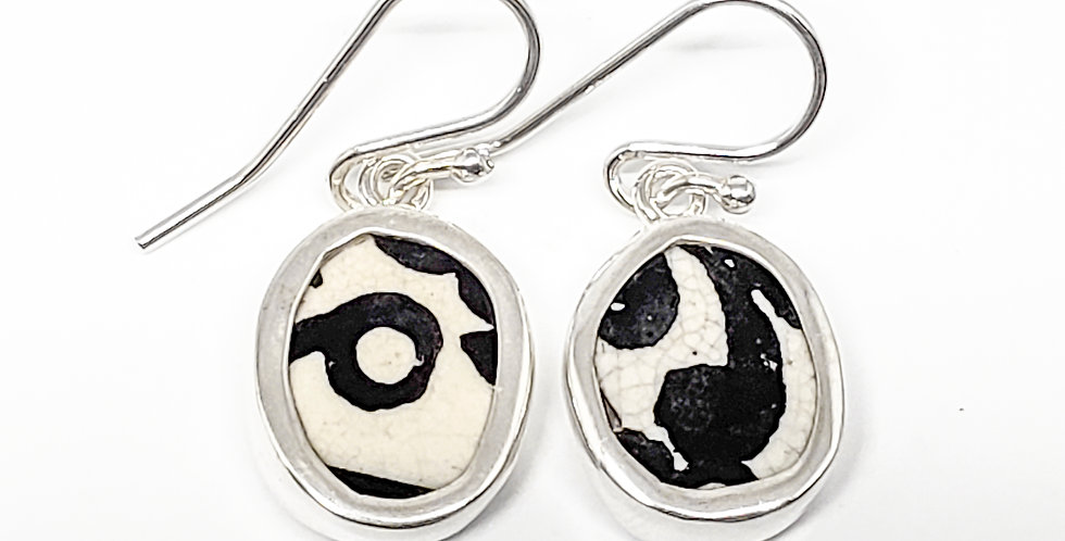 Chaney B&W earrings