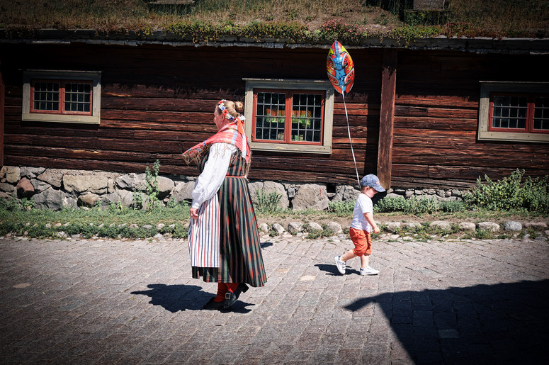 SWEDEN / Stockholm / 21.06.2019 / At Skansen, Stockholm`s open air museum, in every building and around the area there are interpreters in authentic dresses telling you what life was like in Sweden in the old days. They freely mingle with the other visitors. © Gregor Kallina