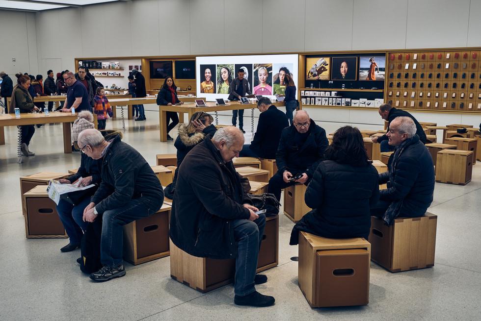 USA / New York City / 04.03.2018 / New Apple generation at One World Trade Center.