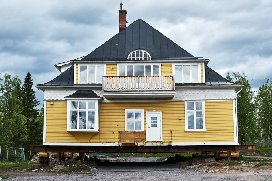 SWEDEN / Norrbottens laen / Kiruna / 08.07.2017 / The so called Ingenjörsvillan, formerly a house for the mining engineers in Kiruna. It is prepared for being moved to its new location, it is part of the cultural heritage. © Gregor Kallina / Anzenberger