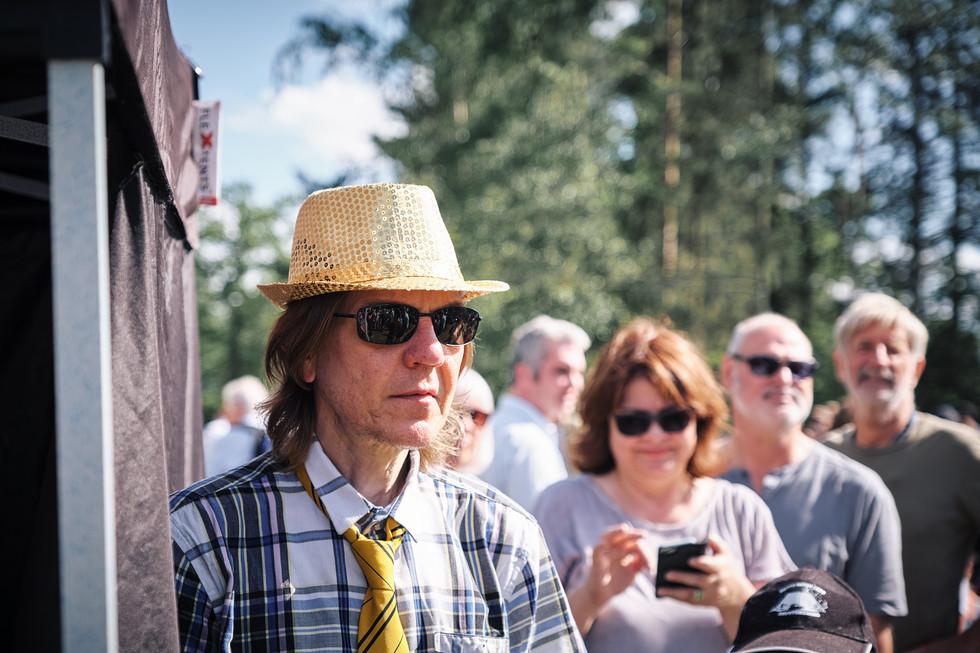 SWEDEN / Stockholm / 21.06.2019 / Interested observer at the midsummer celebrations at Skansen, Stockholm`s open air museum. © Gregor Kallina