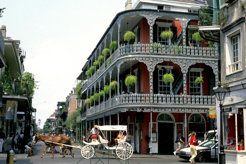 new-orleans-overview-french-quarter-scen