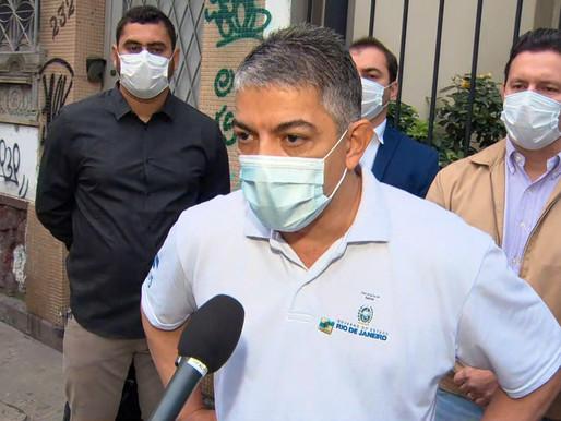 'É uma brincadeira com o dinheiro público', diz secretário de Saúde do RJ sobre suspeita de fraude