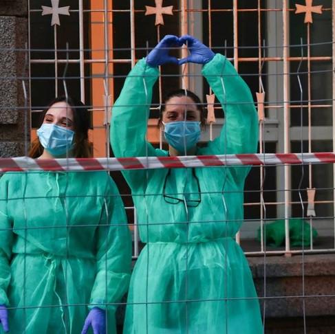 Itália, Espanha e Alemanha mantêm tendência de desaceleração do coronavírus