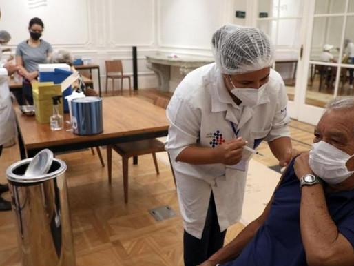 Rio retoma calendário de vacinação, mas prevê doses só até sábado