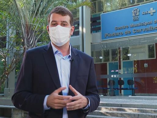 Rio mantém vacinação suspensa e secretário diz que Ministério da Saúde não deu 'qualquer previsão.