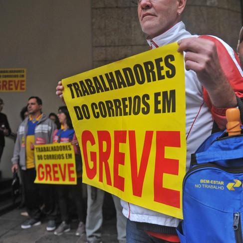 Greve dos Correios tem adesão de 70%, segundo sindicato. Entenda os motivos