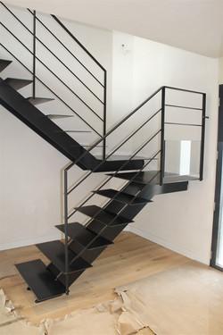 escalier-marches-metal-palier-9.jpg