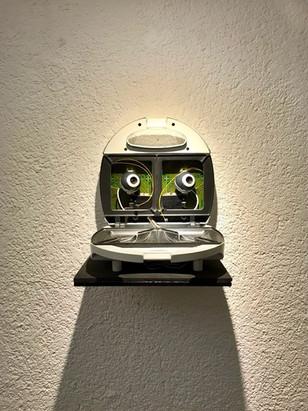 Glotzbeppel auf den Heiligenführerschein, 2006 Sandwichmaker, Webcams, Software | 25 x 30 x 30cm