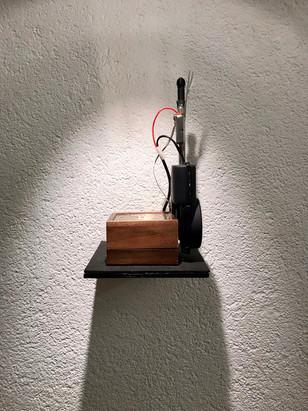 Antenne der Hoffnung (Hungerkralle), 2012 Versch. Elektronik, 20 x 22 x 30cm