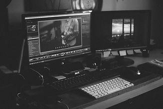 Video%20editing%20computer%20setup_edited.jpg