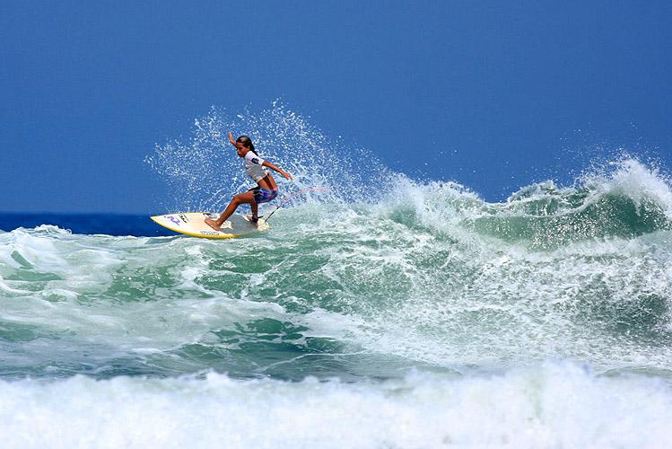 Surf_Ubatuba-SP_sandramaria_rcgs11.jpg