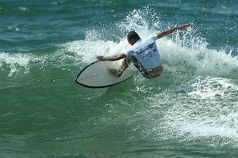 Surf_Ubatuba-SP_20090608100607.jpg