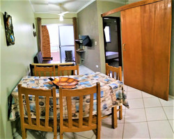 002 Sala Jantar e TV sacada churrasqueir