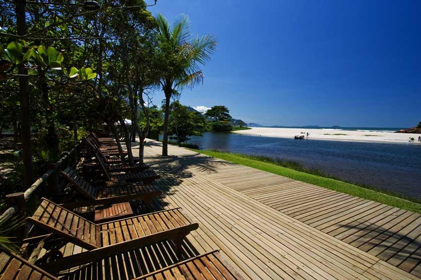 Praia de Itamambuca-Ecoresort_Deck-Maria-Mulata_web.jpg