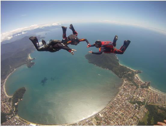 Ubatuba-SP_Salto de paraquedismo.jpg