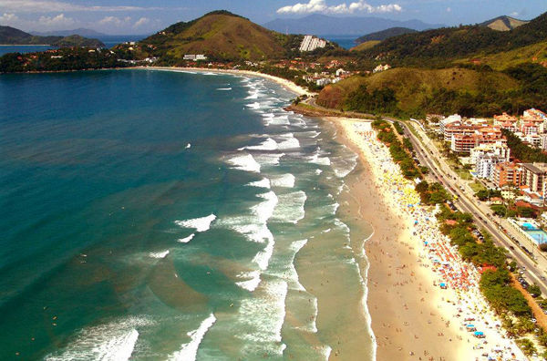 01_Praia_Grande_Vista_Aérea_Ubatuba-SP_Foto_Nova