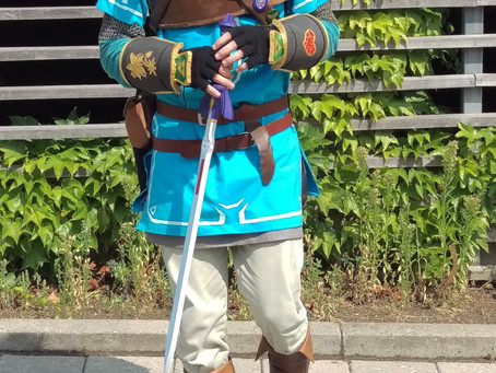 Costume Critique - Sheriff Monkey as Link