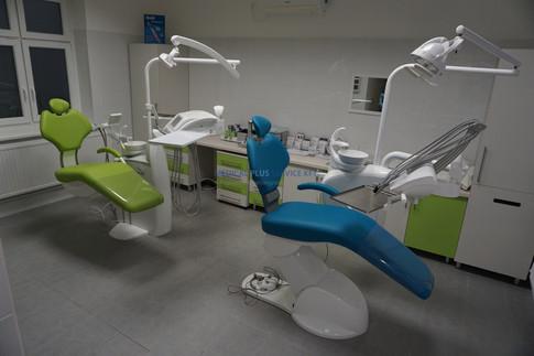 Kétszékes, felújított fogorvosi rendelő
