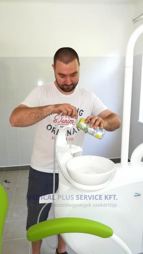 Diplomat fogászati kezelőegységünk Ököritófülpösön. A vizes blokkot muszáj kipróbálni :-)